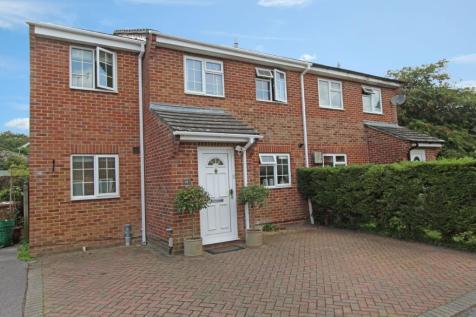 North Baddesley. 3 bedroom semi-detached house