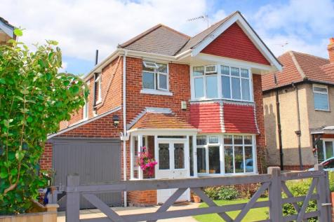 Shirley. 5 bedroom detached house