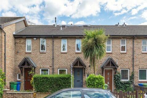 Westcott Road, Walworth, London, SE17. 3 bedroom terraced house for sale