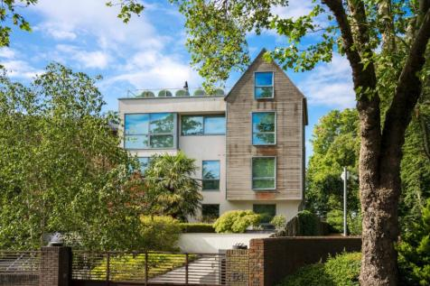 Horizons Court, 51 West Heath Road, Hampstead, NW3. 4 bedroom penthouse for sale