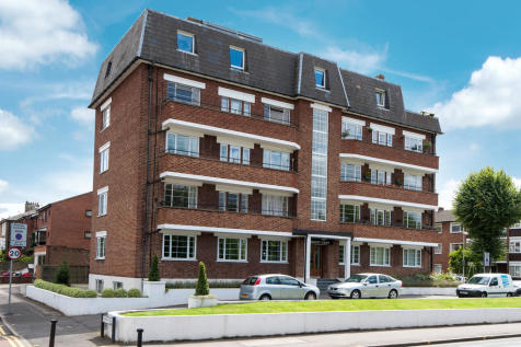 Portsmouth Road, Surbiton. 3 bedroom apartment