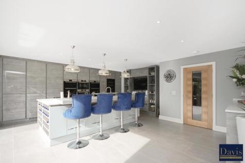 Lambourne Road, Chigwell, Essex IG7. 5 bedroom semi-detached house for sale