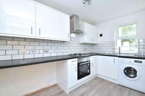 Bays Close Sydenham. 1 bedroom ground floor flat