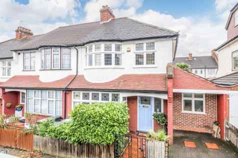 Holmesley Road. 3 bedroom end of terrace house for sale