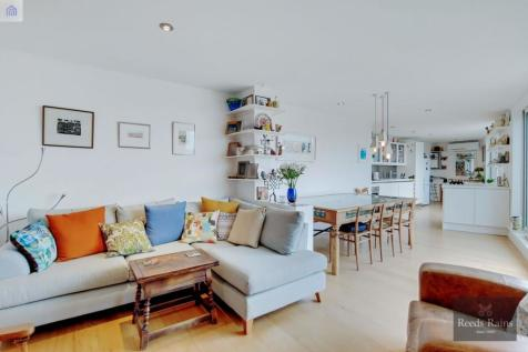 Steedman Street, London, SE17. 2 bedroom flat for sale