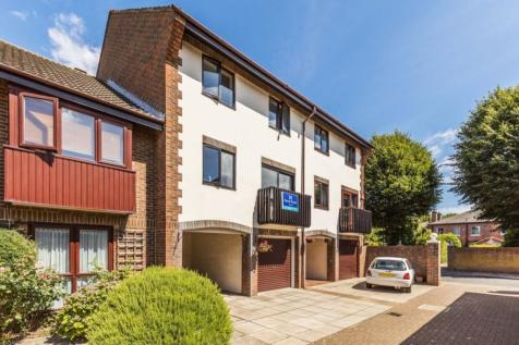 Wyndham Mews, Portsmouth, PO1. 4 bedroom terraced house