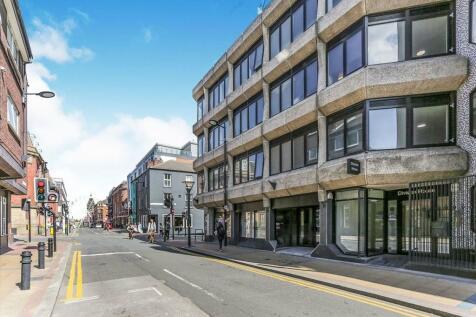 Division Street, Sheffield, S1. Studio flat
