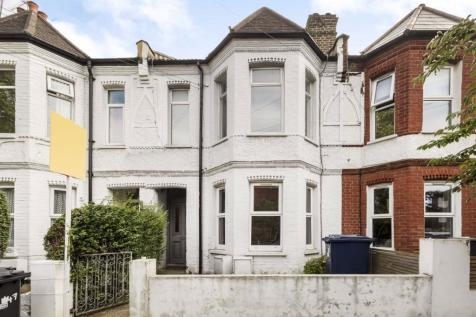 Southfield Road, Chiswick. 3 bedroom flat