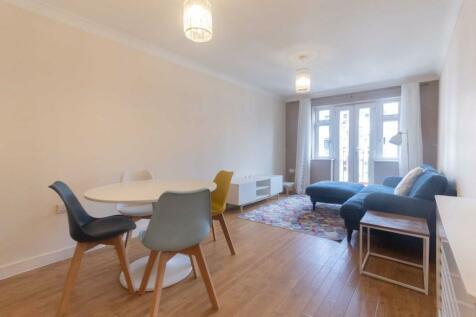Fulham Road, Fulham. 2 bedroom flat