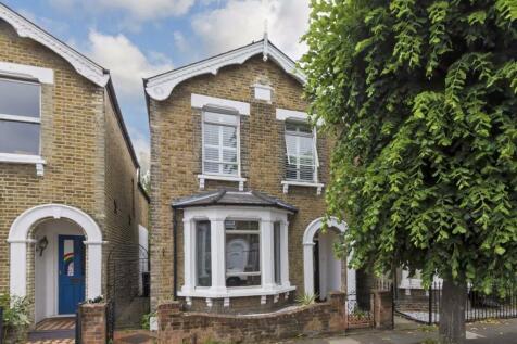 Caversham Road, Kingston Upon Thames. 3 bedroom detached house