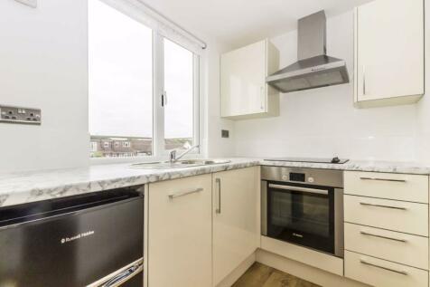 West Barnes Lane, Kingston Upon Thames. 1 bedroom flat