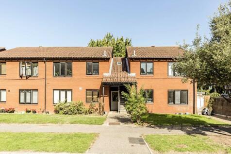 Tithe Barn Close, Kingston Upon Thames. 1 bedroom flat