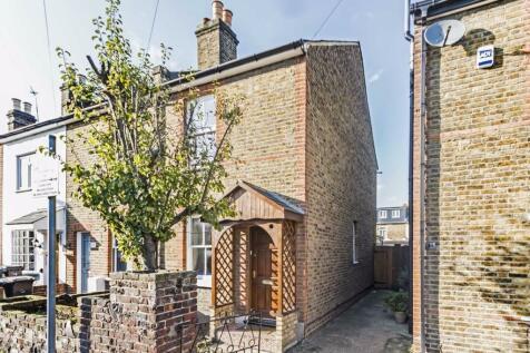 Bearfield Road, Kingston Upon Thames. 2 bedroom house