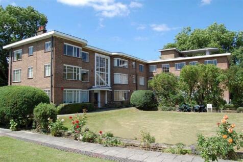 Knights Park, Kingston Upon Thames. 2 bedroom flat