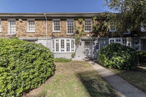 Warwick Drive, Putney. 3 bedroom house
