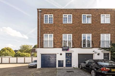 Topiary Square, Richmond. 4 bedroom house