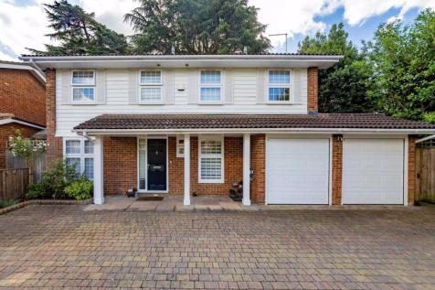 Malcolm Drive, Surbiton. 4 bedroom detached house