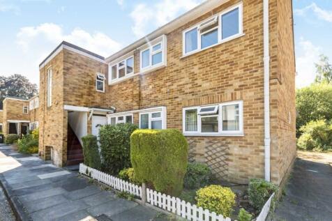 Dolphin Close, Surbiton. 2 bedroom flat
