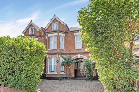 Ewell Road, Surbiton. 5 bedroom semi-detached house