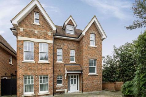 Stokes Mews, Teddington. 1 bedroom flat