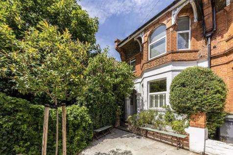 Warwick Road, Hampton Wick. 3 bedroom terraced house for sale