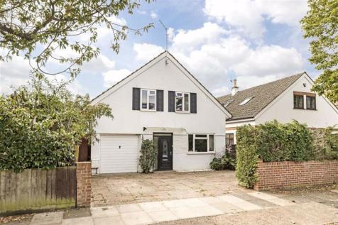 Cedars Road, Hampton Wick. 5 bedroom detached house for sale