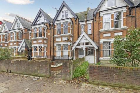 Waldegrave Road, Teddington. 1 bedroom flat