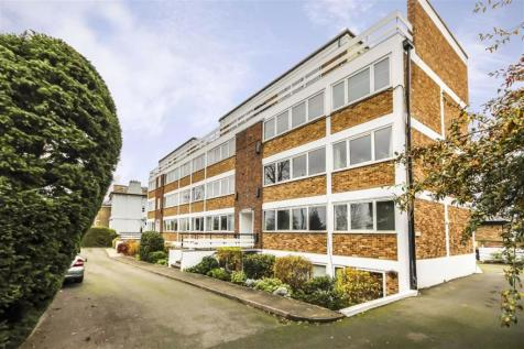 Church Grove, Hampton Wick. 1 bedroom flat