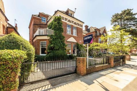 Strawberry Hill Road, Strawberry Hill. 6 bedroom detached house