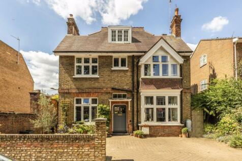 Clifden Road, Twickenham. 5 bedroom detached house