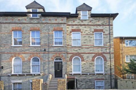 Queens Road, Twickenham. 2 bedroom flat