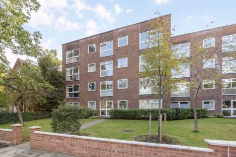 Waldegrave Park, Strawberry Hill. 3 bedroom flat