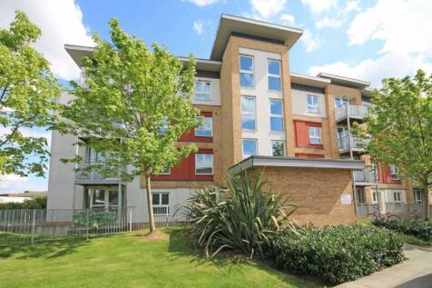 Langhorn Drive, Twickenham. 2 bedroom flat