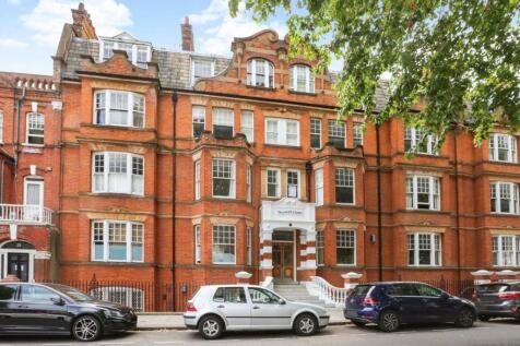 Palliser Road, Barons Court. 4 bedroom flat