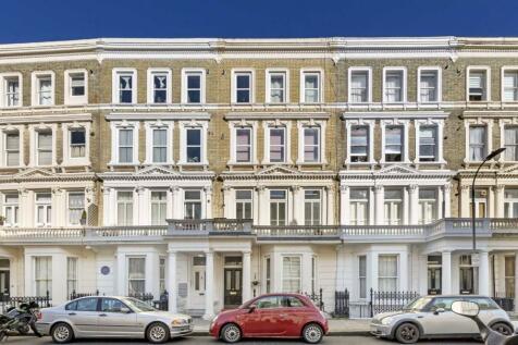 Barons Court Road, West Kensington. 2 bedroom flat