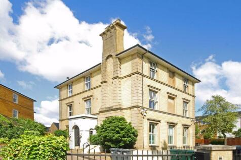 The Grove, Isleworth. 1 bedroom flat
