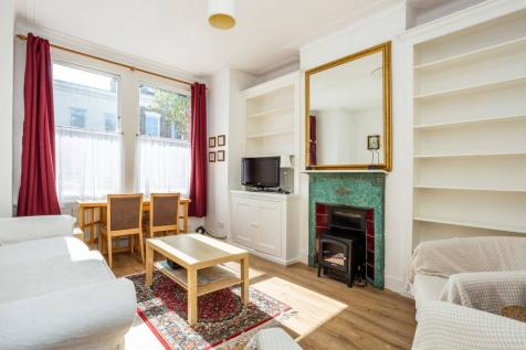 Smeaton Road, Southfields, London, SW18. 2 bedroom flat