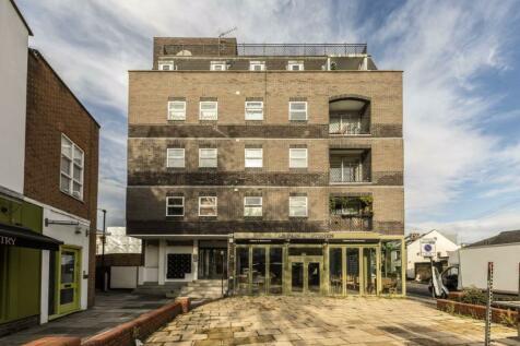 Chiswick High Road, London. 2 bedroom flat