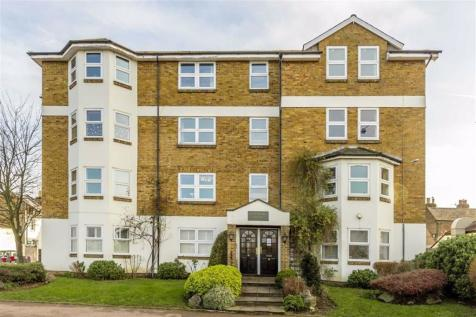 Portsmouth Road, Surbiton. 2 bedroom flat