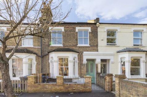 Trevor Road, Wimbledon. 2 bedroom flat