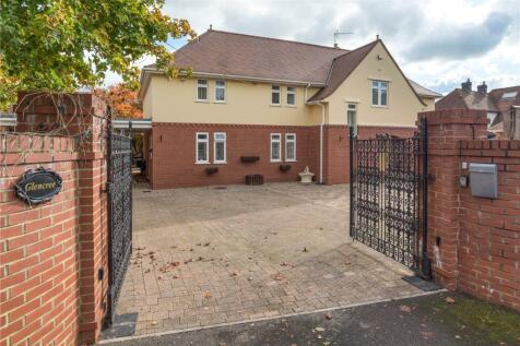 Berkley Road, Frome, Somerset, BA11. 5 bedroom detached house for sale