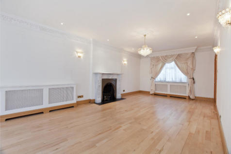 CEDARS CLOSE, LONDON, NW4. 6 bedroom detached house