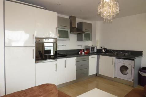 Winterthur Way, BASINGSTOKE. 2 bedroom apartment