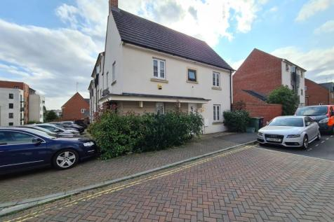 Sinclair Drive, BASINGSTOKE. 3 bedroom detached house