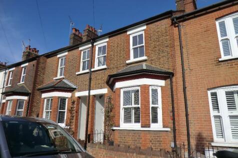 Pageant Road, St. Albans, Hertfordshire, AL1 1NE. 3 bedroom terraced house