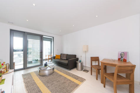Westgate House, Ealing Road, TW8. 1 bedroom apartment