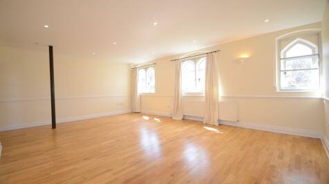 Hatch Lane. 1 bedroom apartment