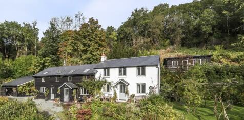 Llangunllo, Knighton, Powys, LD7. 6 bedroom cottage for sale