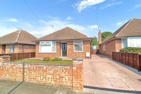 Tranmere Grove, Ipswich. 2 bedroom detached bungalow for sale