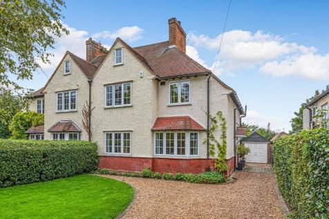 Bearton Road, Hitchin, Herts SG5 1UP. 4 bedroom semi-detached house